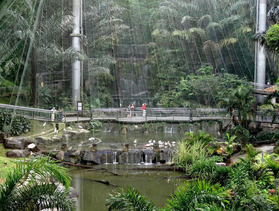 آشنایی با باغ پرندگان کوالالامپور در تور مالزی