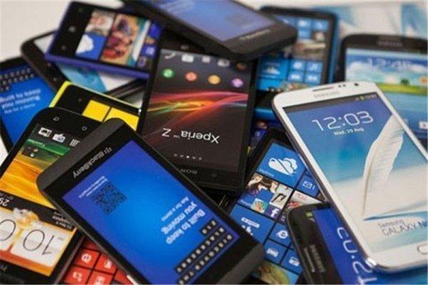 کشف 82 گوشی تلفن همراه قاچاق از یک خودرو در کرمانشاه