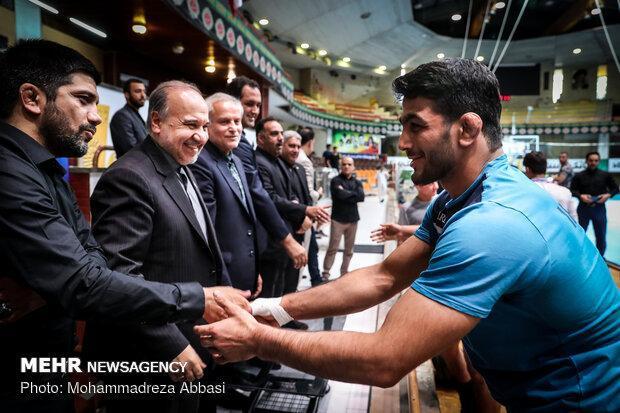 تماس وزیر ورزش با حسن یزدانی