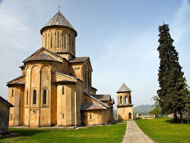 صومعه گلاتی گرجستان و حقایق جالب و شنیدنی