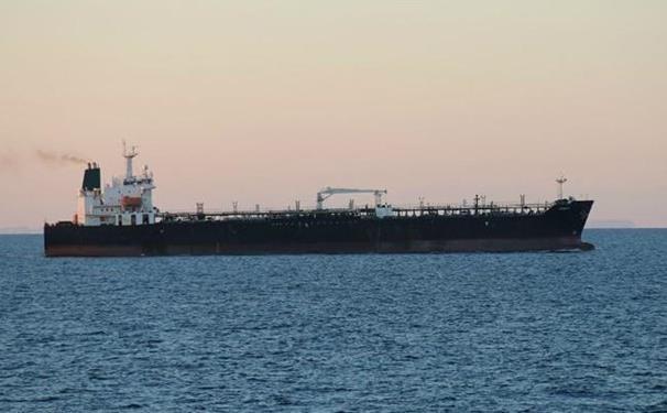 دومین نفتکش ایران امشب کنار پالایشگاه کاردون پهلو می گیرد
