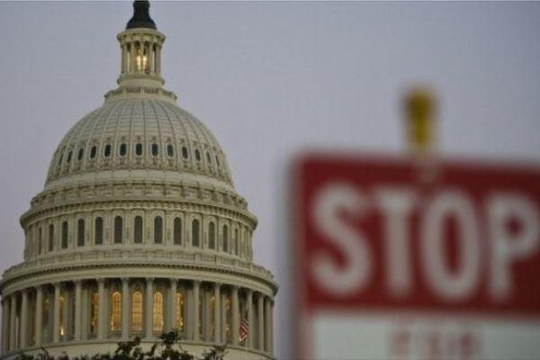 توافق کنگره آمریکا برای خروج لایحه بودجه از بن بست کرونا