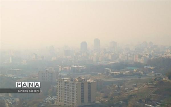 هوای 13 منطقه تهران قرمز است
