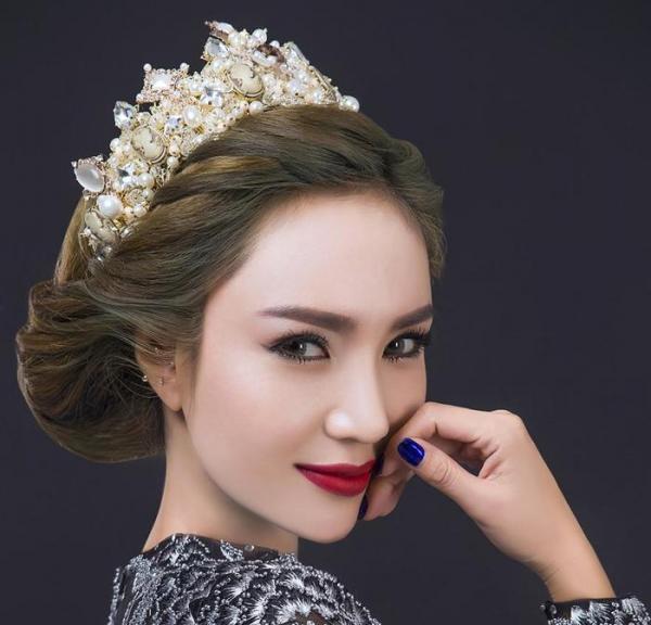 زیبا ترین انواع مدل مو عروس با تاج