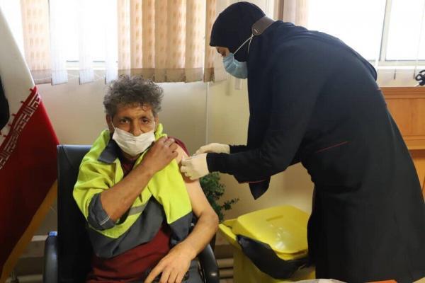 خبرنگاران 90 پاکبان شهرداری کرمانشاه علیه کرونا واکسینه شدند