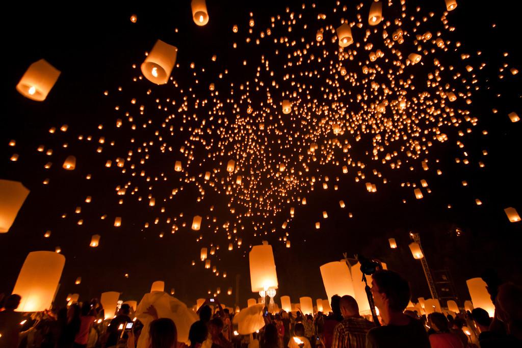 جشن لوی کراتونگ تایلند